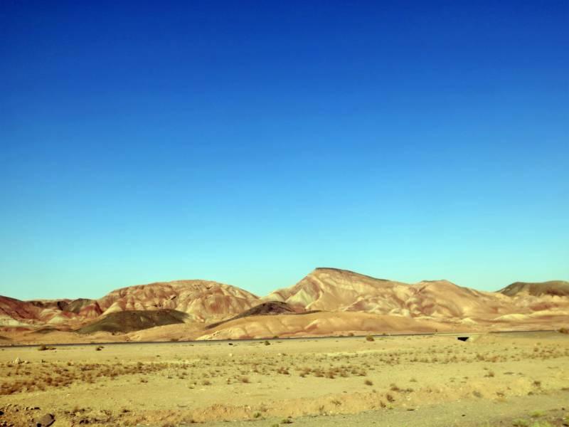 Auf den weg nach Nord Iran durch die Wüste
