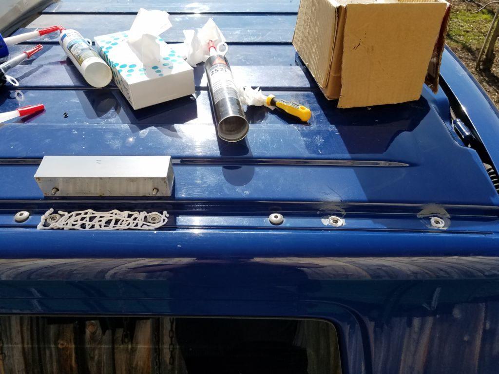 Bau einer DIY Dachhalterung für Solaranlage für das Camper Dach.