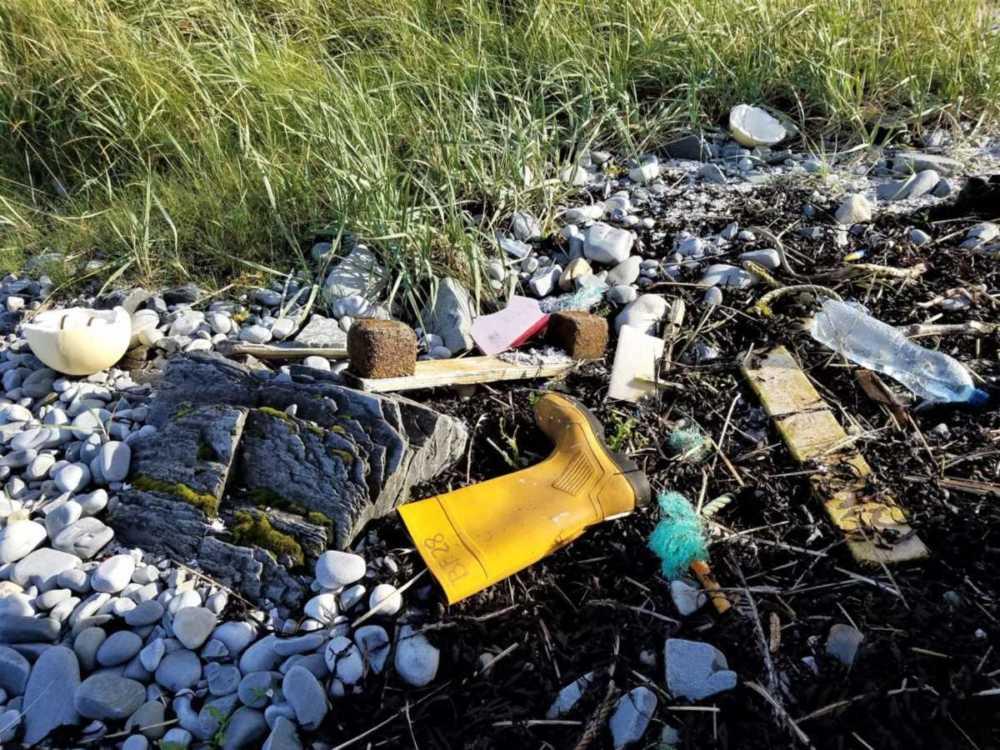 Müll an der Küste Finnmark