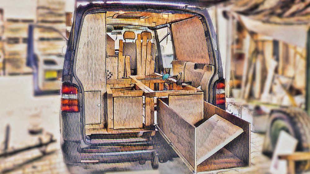 Möbel aus Holz für den Camper Bus