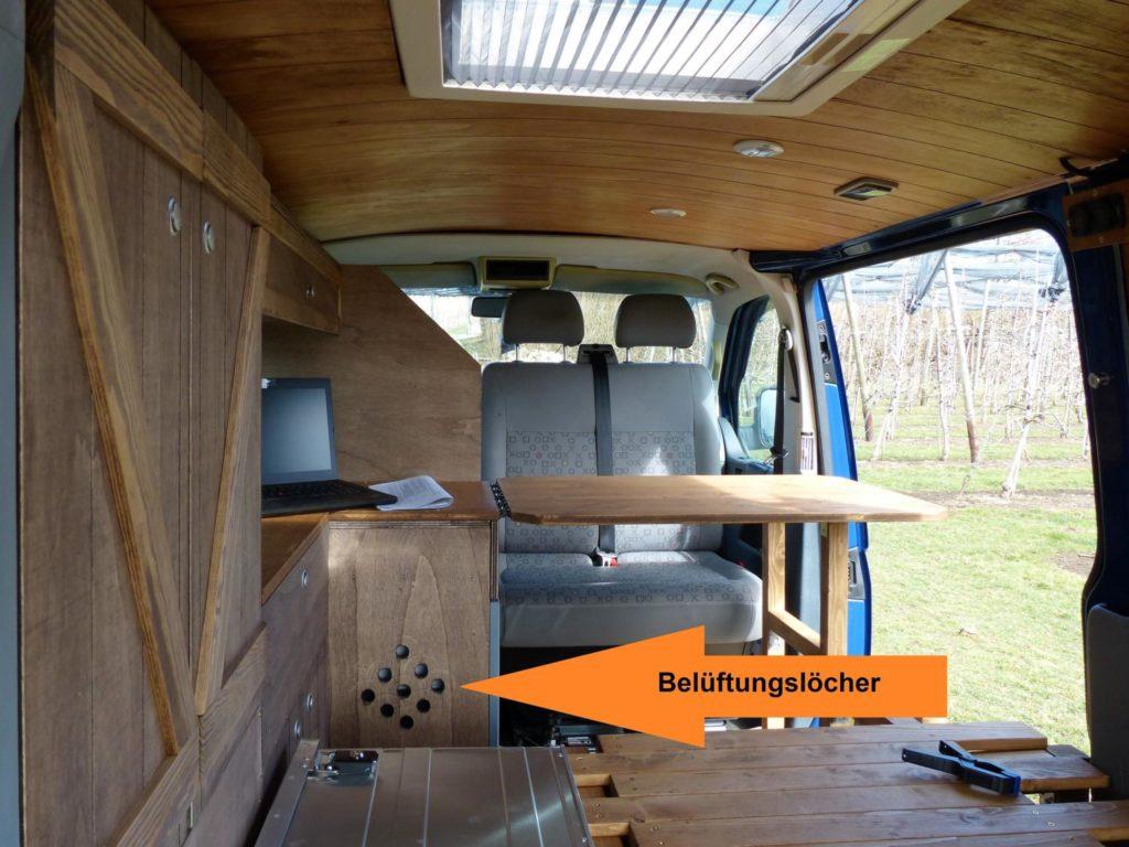 Camper Selbstausbau mit Kompressor Kühlbox von Mobicool