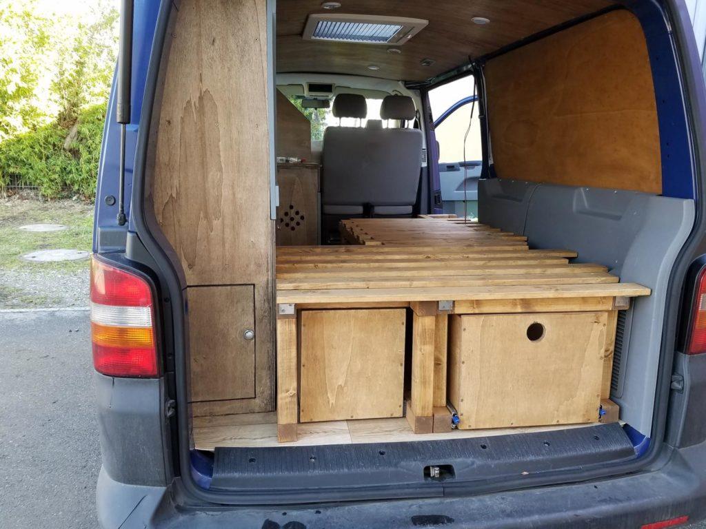 Ein Bett in den Camper selber einbauen. Camper Ausbau