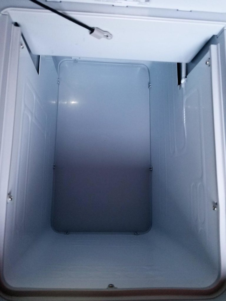 Kompressor-Kühlbox-Mobicool im Einsatz im Camper