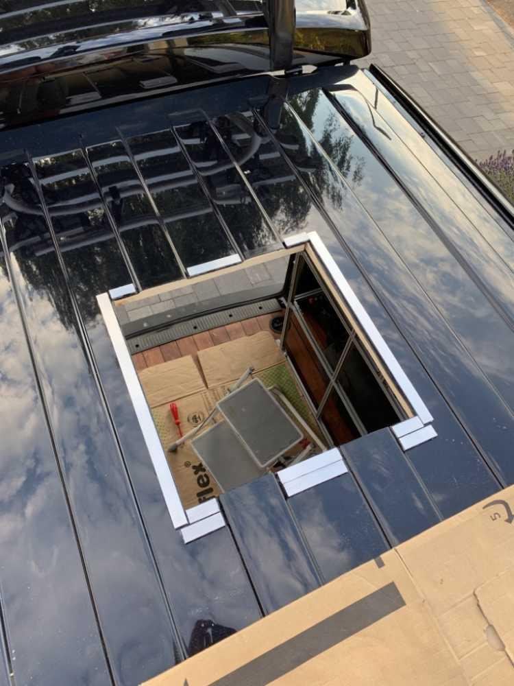 Dachfenster im Transporter Camper einbauen. Sicken ausgleichen