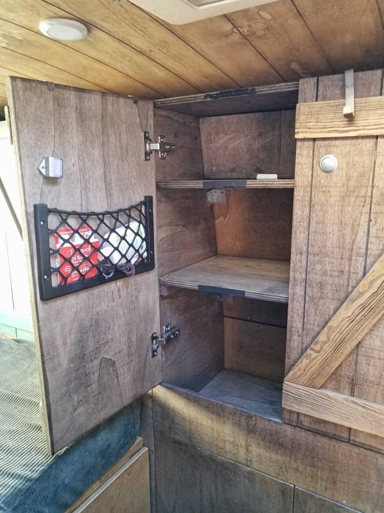 DIY Möbel und Schränke für den Campingbus selber bauen.