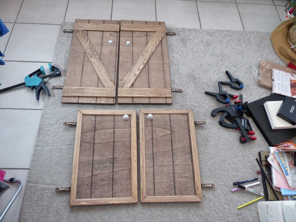 Schranktüren und Möbel aus Holz für den Van- und Camper-Ausbau