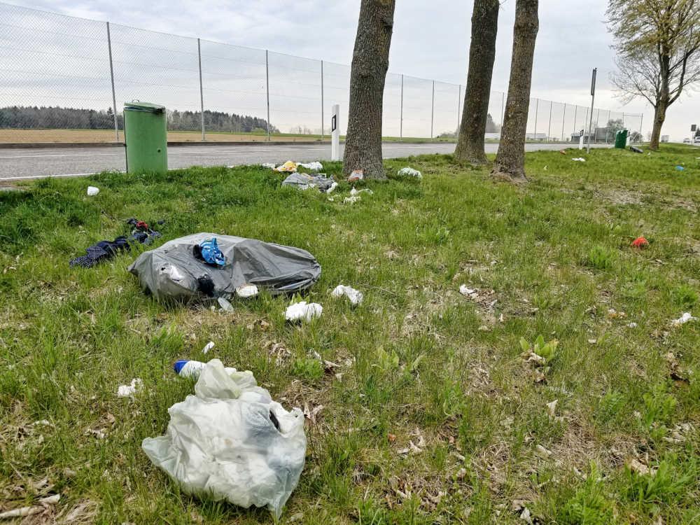 Müll in der Natur beim Reisen verhindern.