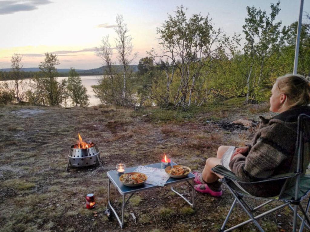 Atago von Petromax Grill als Feuerschale beim Camping benutzen